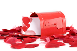 Mailbox_with_hearts_and_petals